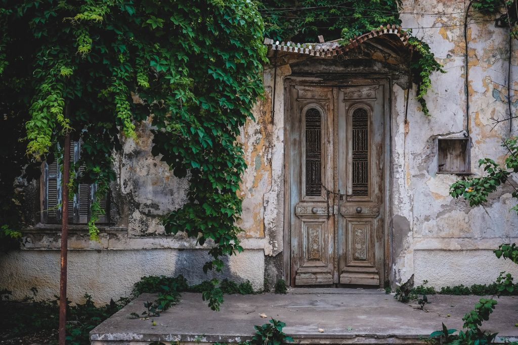 crete-doorway-old-door-greece