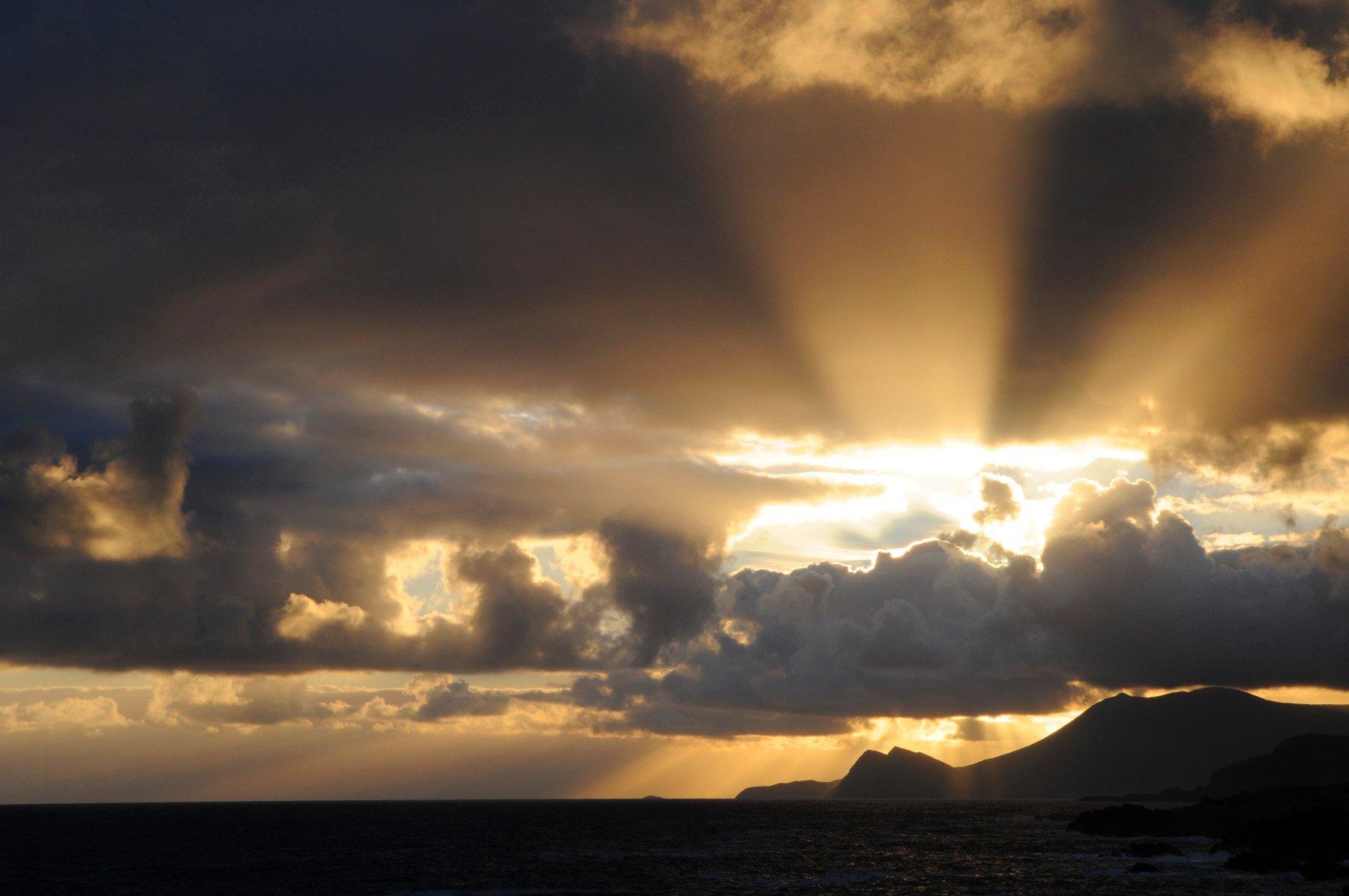sunset-rays-achill-fiona-madden-photography