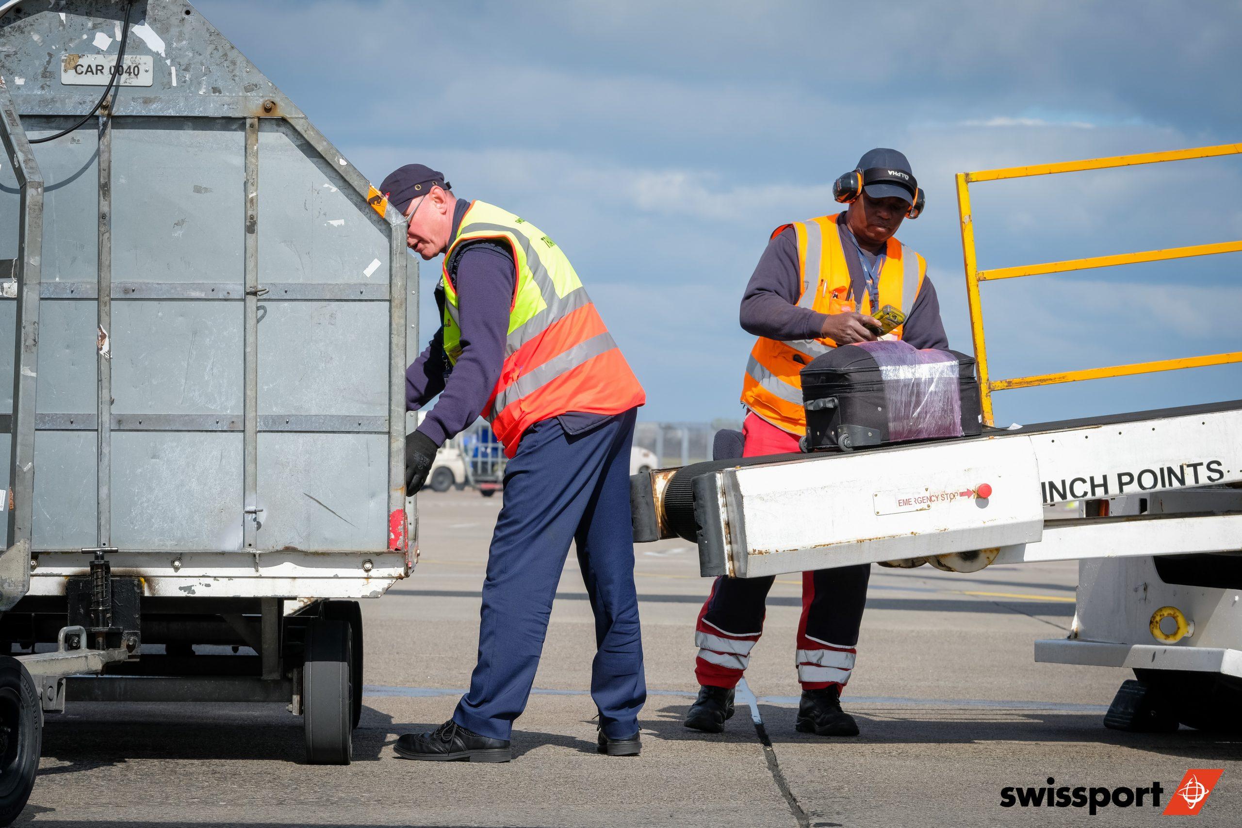 dublin-airport-photographer-loaders-swissport